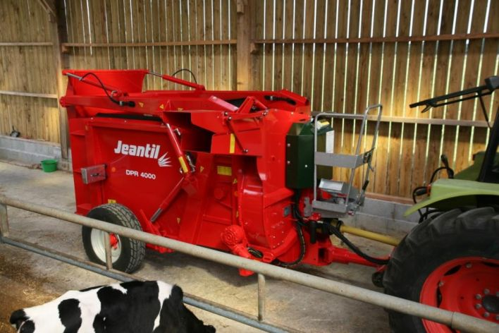 Silage unloaders with straw blower DPR 4000 SD